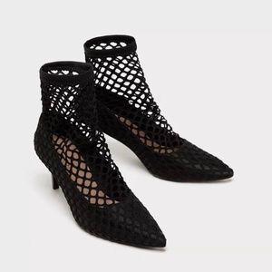 ZARA Fishnet Shoes:Black, US 6.5, 7.5/EUR37, 38
